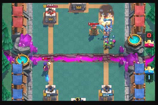 Clash Royale menyerang